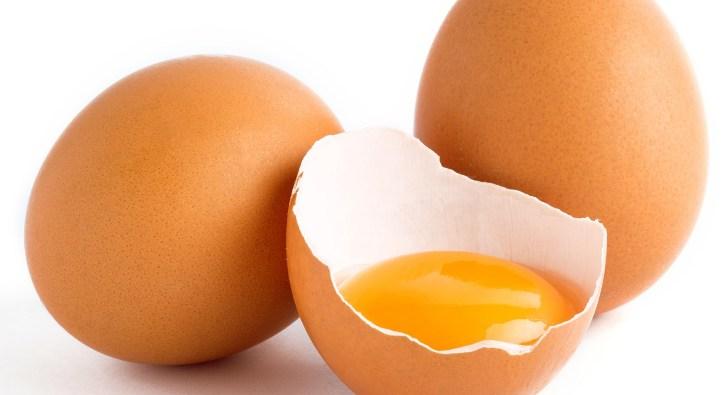 Лечение нарыва на пальце яичным желтком
