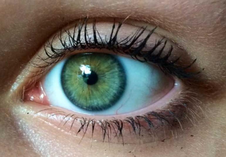 глаза изумрудного цвета фото несколько причин