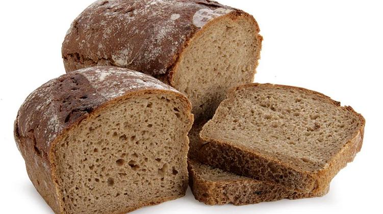 Синиц запрещено кормить хлебом, особенно, черным